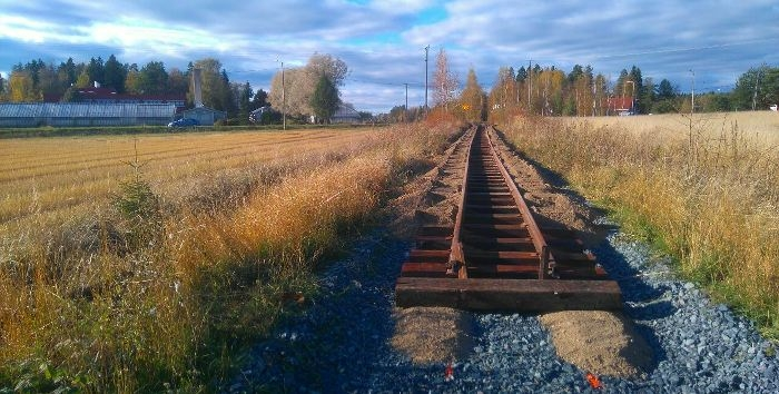 The end of track gets further away of the Humppila road railway crossing. Photo: Jussi Tepponen 9.10. 2015