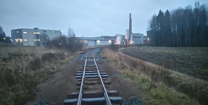 Lights of the Syrup Factory are seen at the current end of the line on rainy November afternoon. Photo: Jussi Tepponen 7.11. 2015