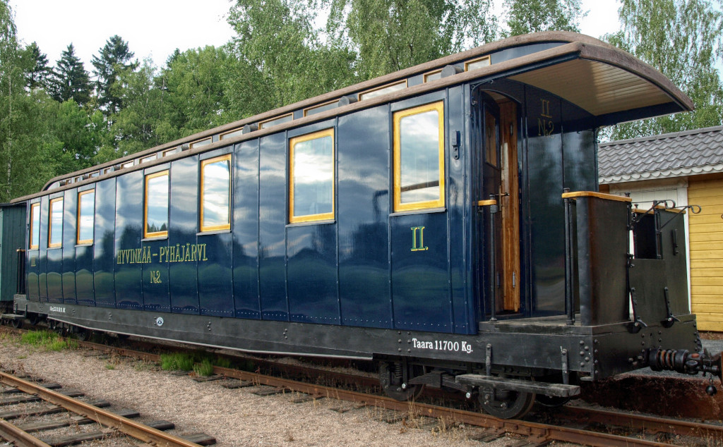 A builders photo of the HKR2 coach at Sandviken Ship Yard at Helsinki.